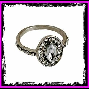 🆕 Vintage White Sapphire Sterling Silver Ring